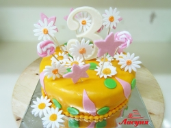 #д140(26) торт на з годика с ромашками и звёздами
