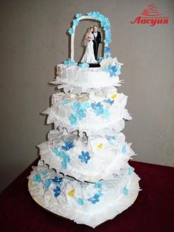 #с135 (38) Свадебный торт с фигурками и аркой