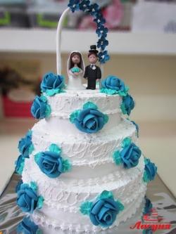#с135 (48) свадебный торт с фигурками и аркой