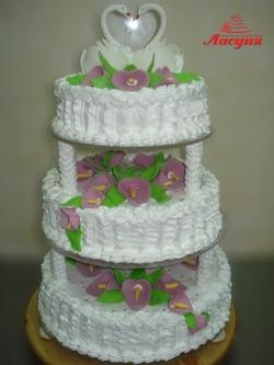 #с135 (7) Свадебный торт на подставке с лебедями