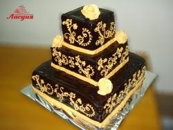 #с180 (13) свадебный торт с золотыми узорами