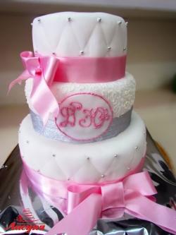 #с180 (23) свадебный торт с розовой лентой