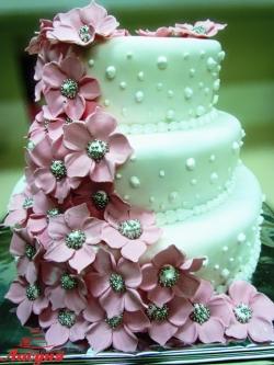 #с180 (38) Свадебный торт белый с цветами