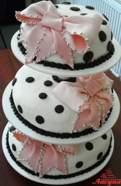 #с180 (9) свадебный торт с бантами на подставке