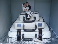 #с200 (1) свадебный торт чемоданы