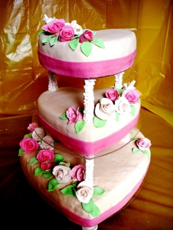 #с200 (11) свадебный торт сердца с розами