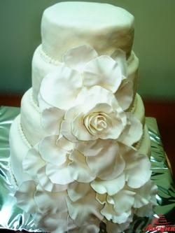 #с200 (14) свадебный торт белый мастика