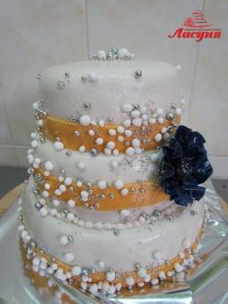 #с200 (18) свадебный торт с бусинками
