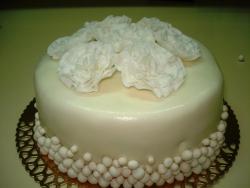 #ю170(2) торт с мастичными цветами