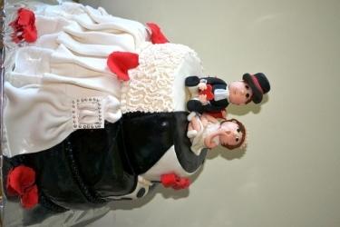 #c220 свадебный торт фрак и свадебное платье с фигурками