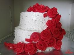 #c160 (17) Свадебный торт с красными розами