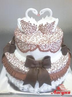 #c160 (2) Свадебный торт с бантами и лебедями