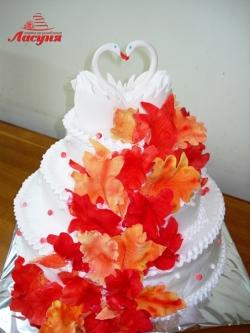 #c160 (21) Свадебный торт с осенними листьями