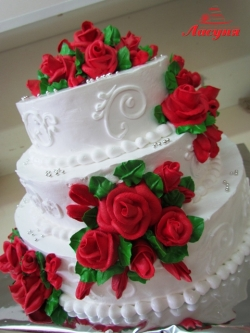 #c160 (27) Свадебный торт с красными розами