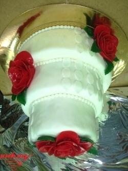 #c220 (13) свадебный торт белый с розами