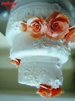 #c220 (15) свадебный торт с оранжевыми розами и узором