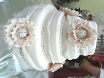 #c220 (23) свадебный торт белый с цветами