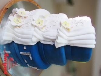 #c220 (4) свадебный торт бело-синий