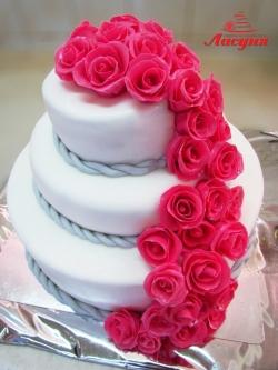 #c250 (12) свадебный торт с веткой роз