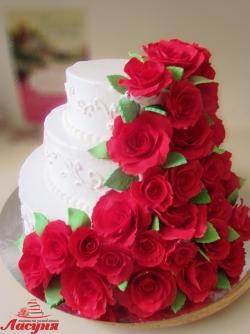 #c250 (8) свадебный торт с водопадом из роз