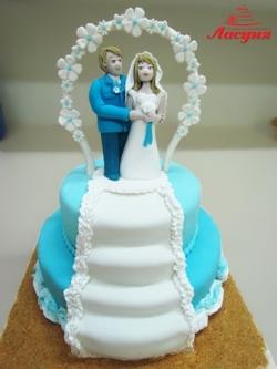 #с220(8) Свадебный торт со съедобными фигурками