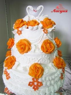 #с120(9) недорогой свадебный торт без мастики