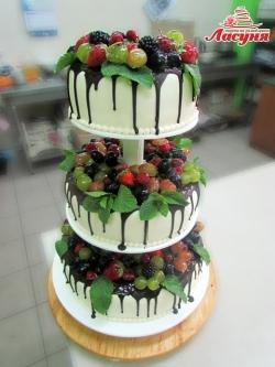 #c180(57) свадебный торт с фруктами